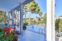 Fantastisk villa med privat pool i Los