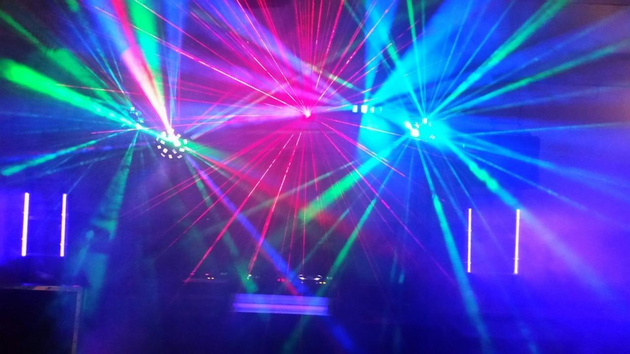 Erfarna DJ:s till fest,företa...