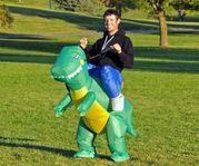 UTHYRES - Dräkt, Uppblåsbar dinosaurie