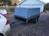 UTHYRES - Bromsad Släpvagn med Kåpa