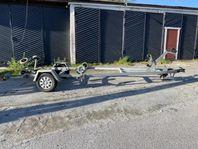 Hyr 1000 kg båttrailer