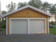 Snygg garageport med motordrift