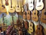 Klassiska gitarrer 995 - 99 000 kr