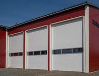 Verkstadsportar för stora garaget