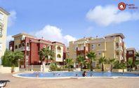 Färgrika lägenhetskomplex i Los Alcázares