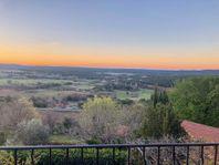 Charmigt byhus i hjärtat av Provence