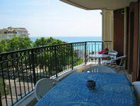 Nice 2 rum och kök. 50 m till strand + pool