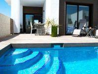 Lägenhet i Quesada markplan med pool