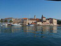 Split-Trogir-iovo, Bo direkt vid havet
