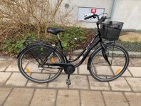 Svart damcykel, 3 växlar & 28 tum