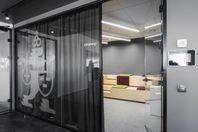 Skiljeväggar av glas direkt till ditt kontor