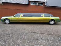 Lincoln Town Car LIMOUSINE 5D MOMSBIL Leasbar