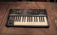 Begagnad Roland SH-09 analogsynt från 1980